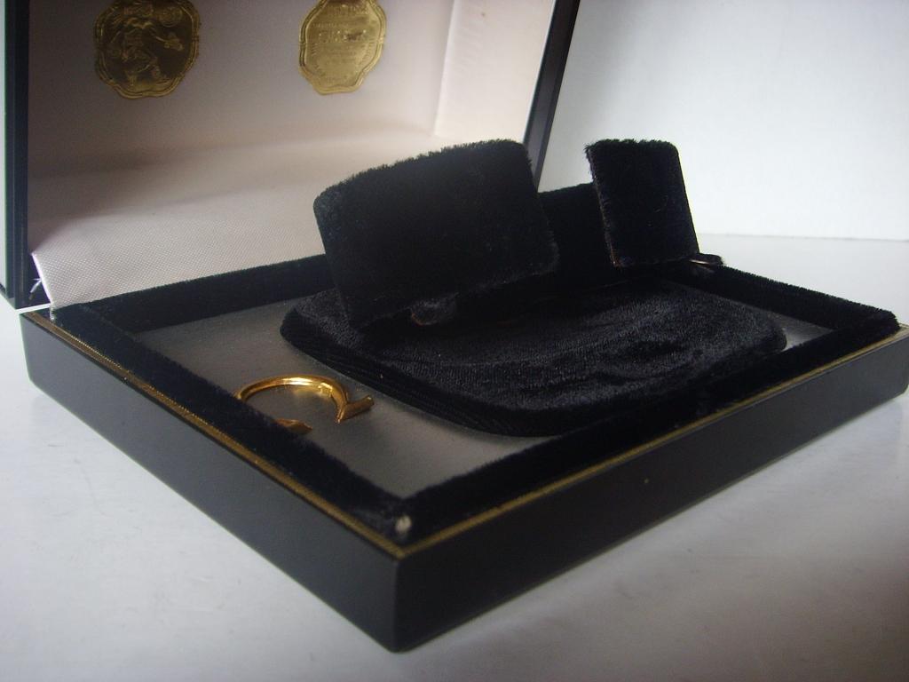 1960s OMEGA SPEEDMASTER SEAMASTER LARGE METALLIC BOX - Imagen 2