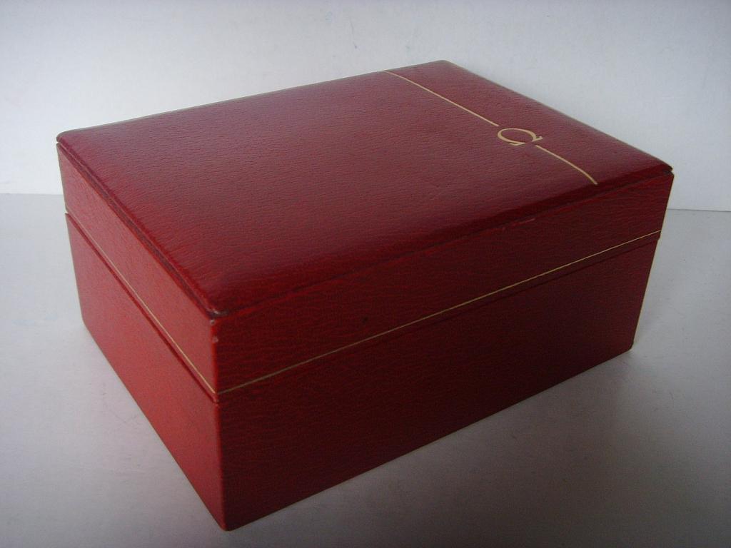 1970s OMEGA SPEEDMASTER RED LEATHER BOX - Imagen 2