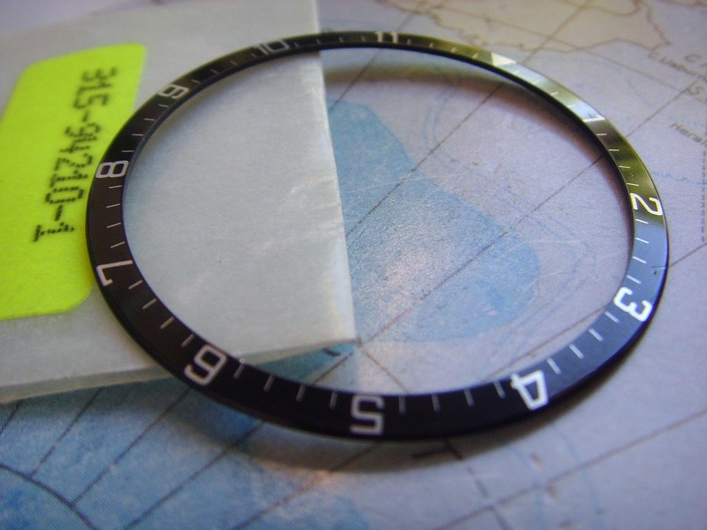 NEW OLD STOCK TUDOR 94210 BEZEL INSERT - Imagen 4